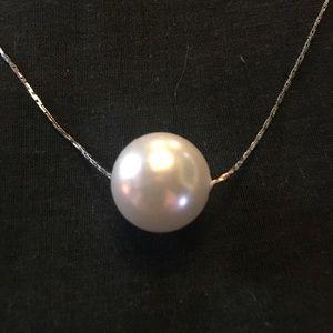 Jewelry - Woman's Pearl Choker